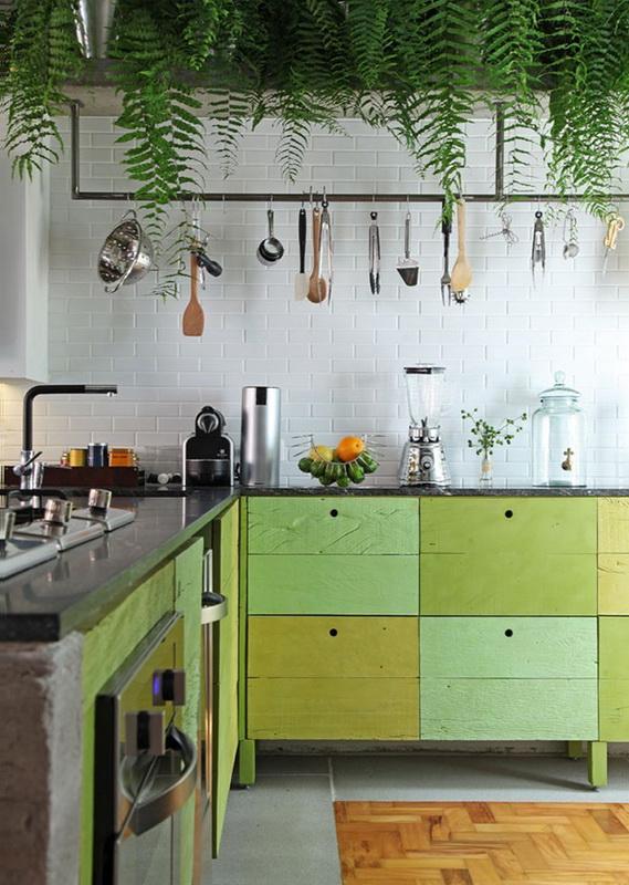 Зеленая кухня-фото