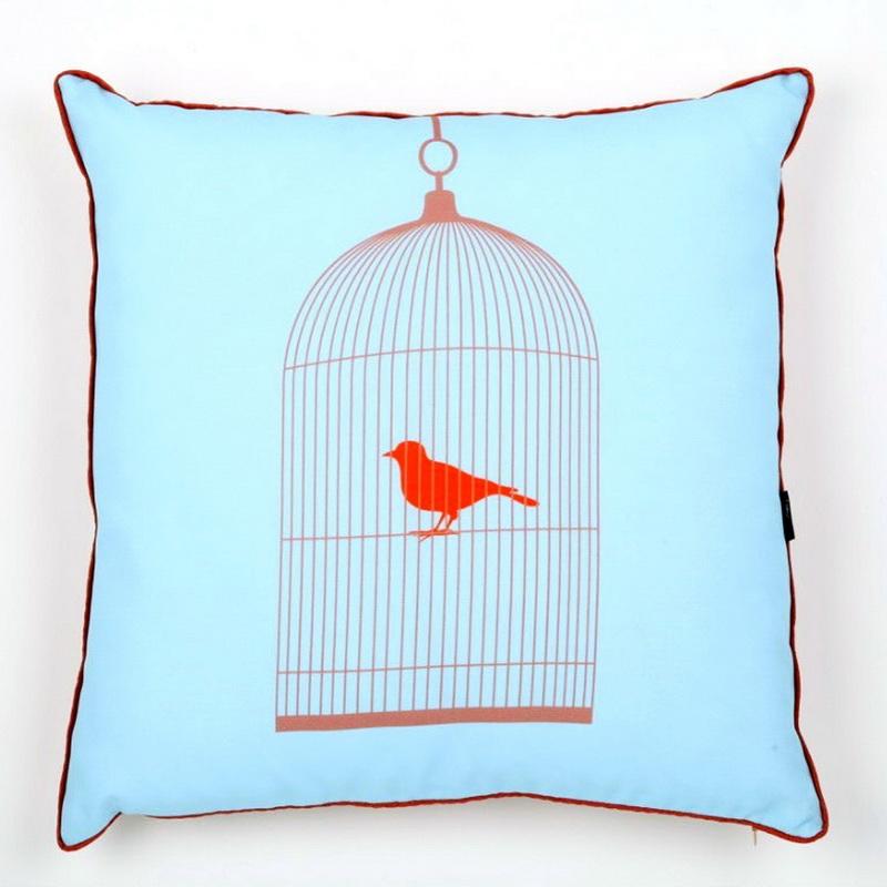 Подушка с принтом-клеткой для птиц