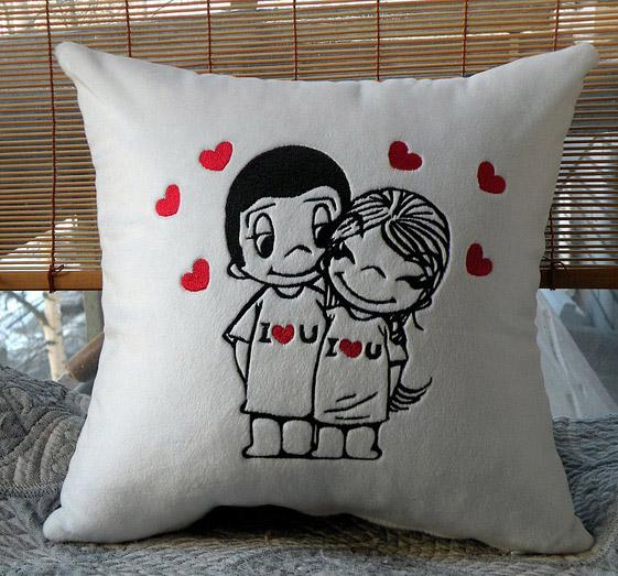 Подушка Love is-черно-белая