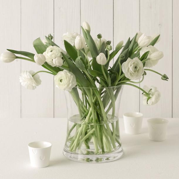 Букет-белый цвет в интерьере