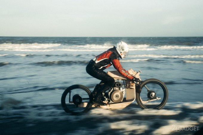 Wooden motorbike running on fuel from algae (7 photos + video)