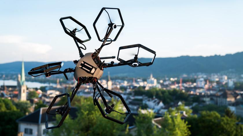 Drone Voliro with screws swivel: 360 degrees of freedom