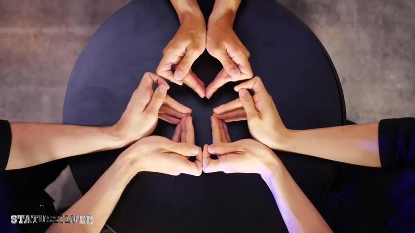 Hypnotic kaleidoscope fingers