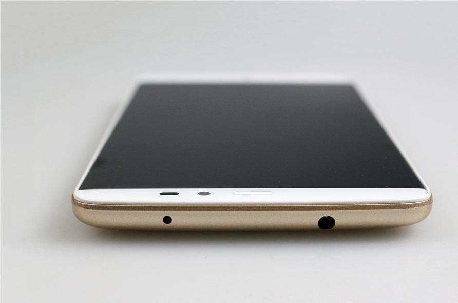 Верхняя и нижняя грани смартфона 1