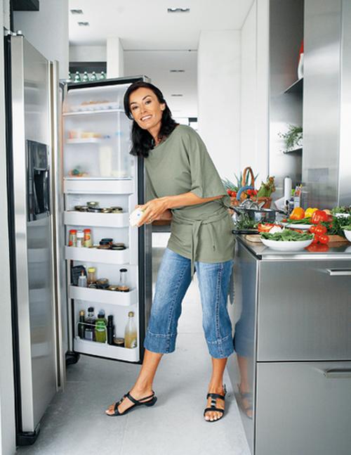 Как размораживать холодильник правильно и быстро – Раскрытый холодильник