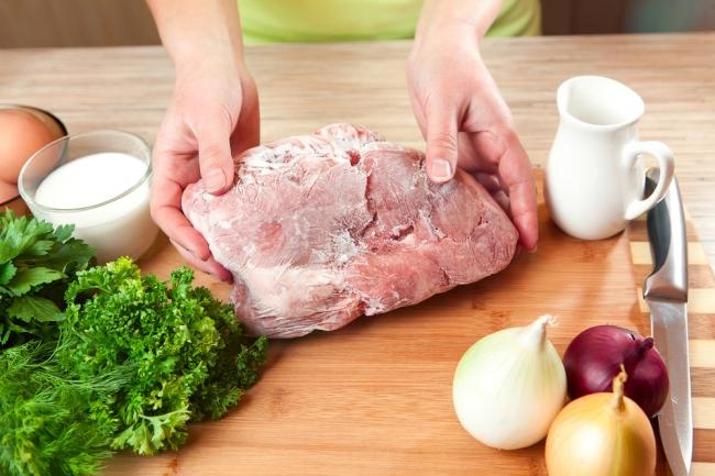 Как размораживать мясо в микроволновке особенности процедуры – Подготовка мяса