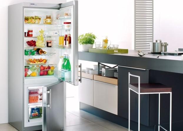 Как правильно хранить продукты в холодильнике удивительно просто, безумно актуально – Открытый холодильник с едой