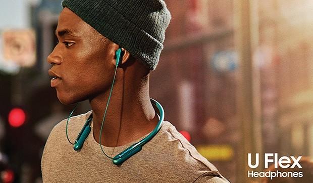 15649 Samsung unveiled a flexible Bluetooth headphone U Flex