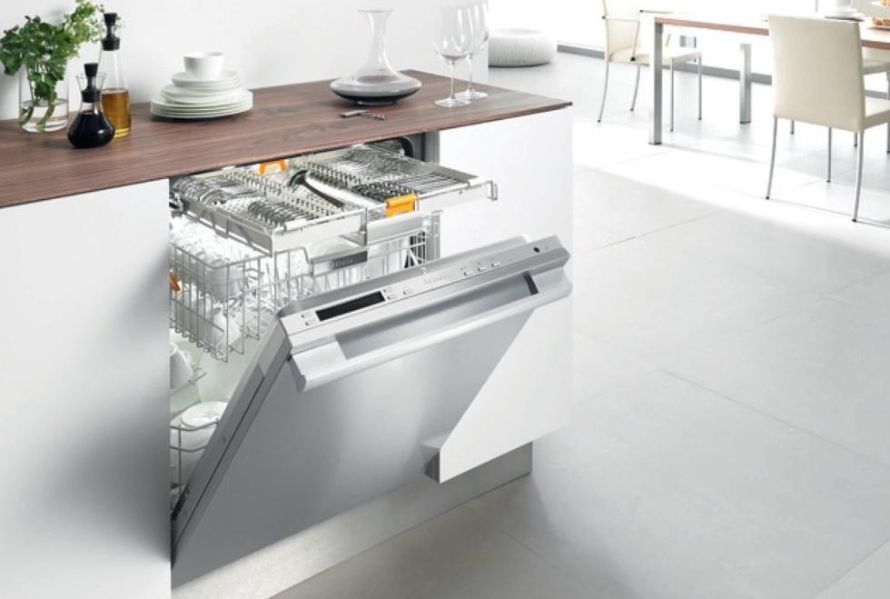 Стиль и удобство частично встраиваемая посудомоечная машина – Встроенная посудомойка на кухне