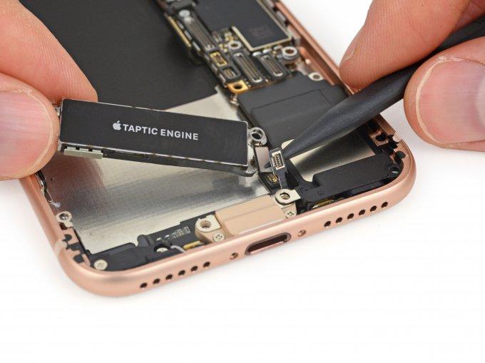 Ремонтировать iPhone 8 будет сложнее, чем iPhone 7