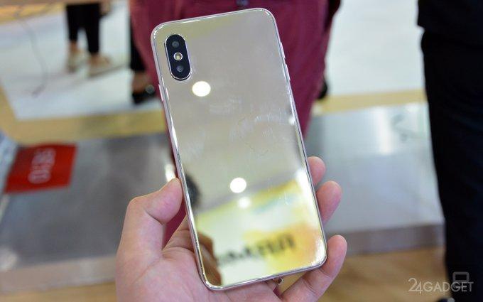 В Китае продают реплику iPhone X (8 фото)