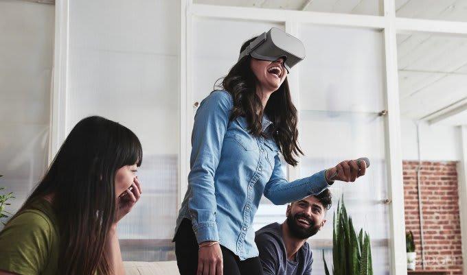 Presented budgetary and Autonomous Oculus Go (7 photos + video)