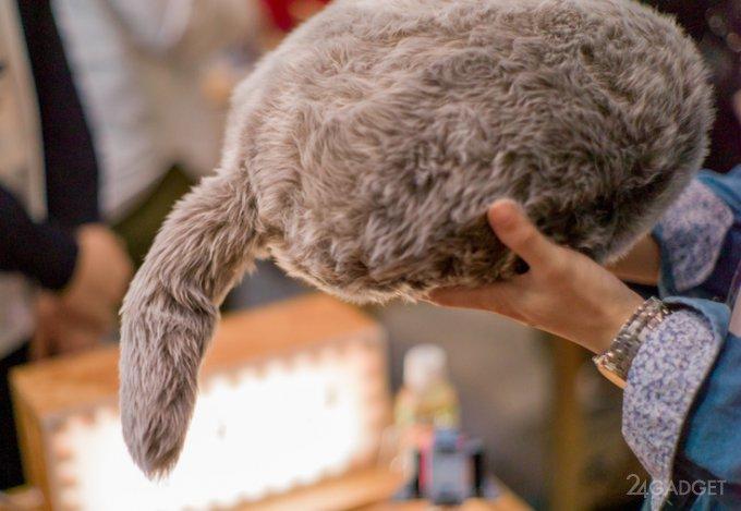 Qoobo — котоподушка с хвостом для тех, кто не может завести кота (5 фото + видео)