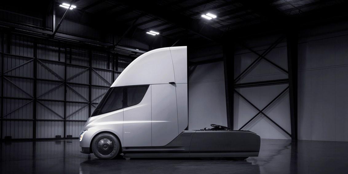 Elon Musk has unveiled a fantastic new electropure Semi