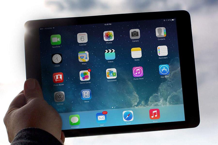 Черная пятница: Apple iPad Air 2