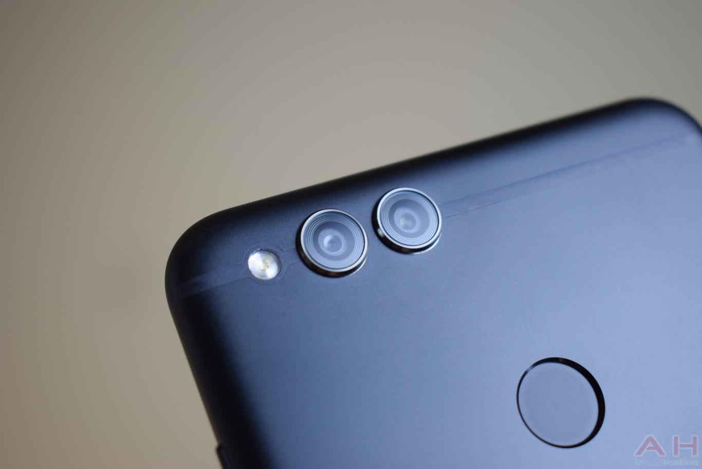 Hands-On With Honor 7X: 18:9 Display, Fast Fingerprint Sensor For Under $200