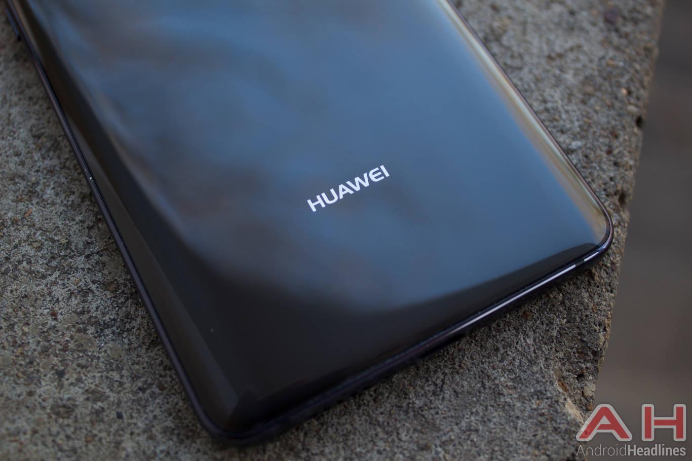 36267 Top Democrats Warned Against Using Huawei, ZTE Phones
