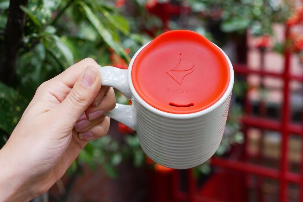 Turn any mug into a travel mug